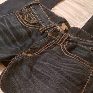 True Religion Jeans!! Ricky straight leg